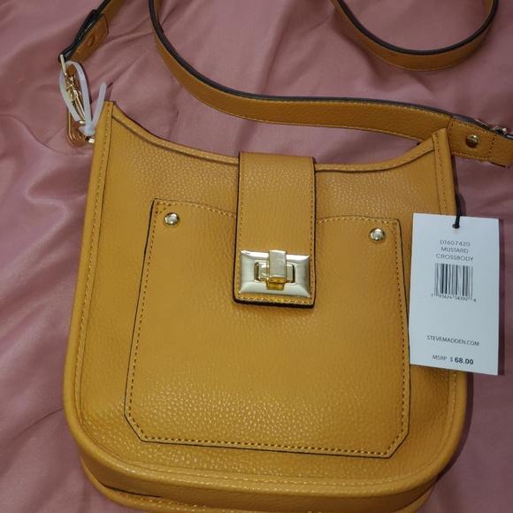 Steve Madden Handbags - Steve Madden Crossbody bag